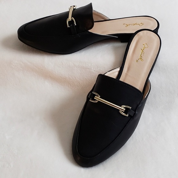 Super Cute Blk Leather Loafer Mules